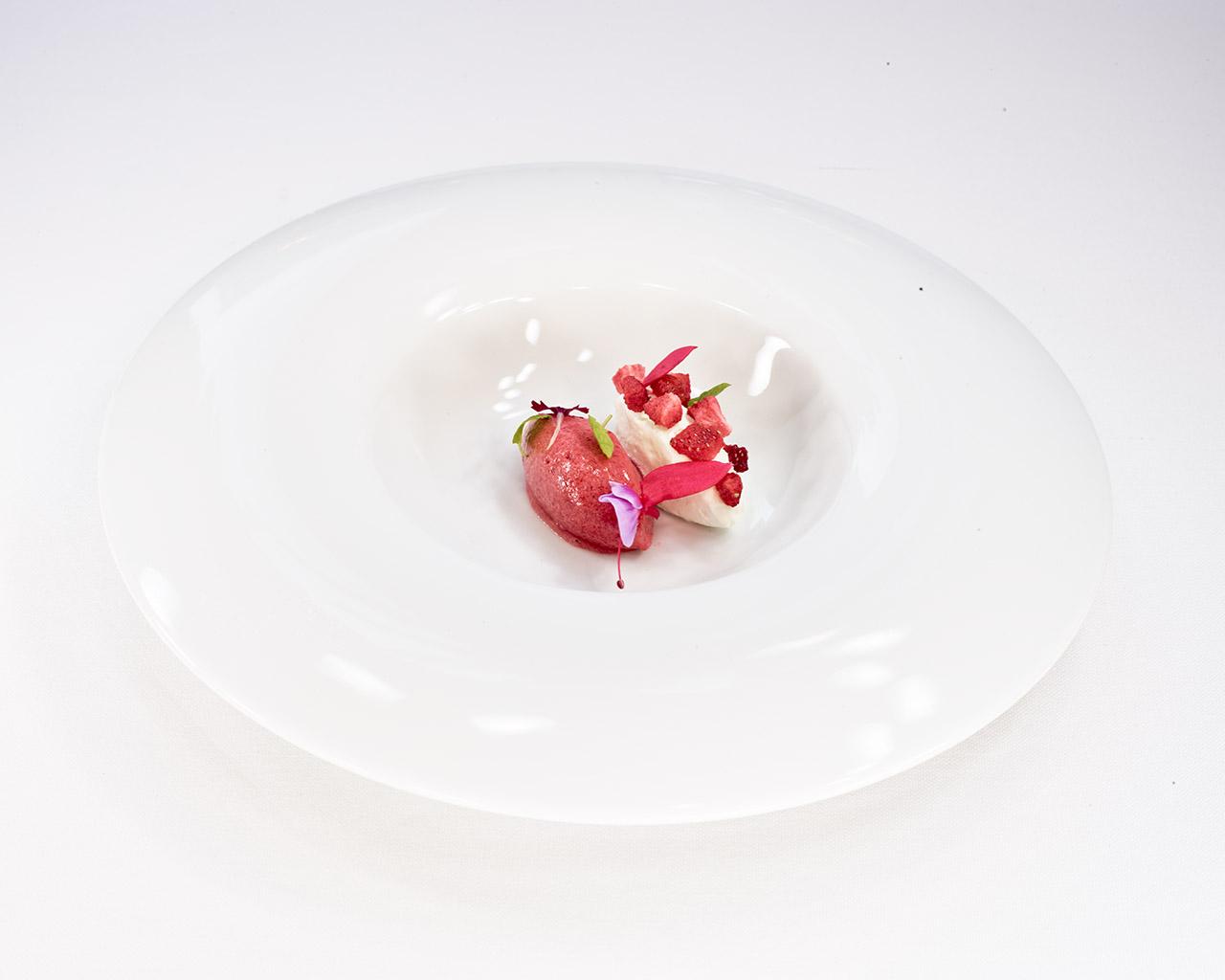 Novodabo-Solo-plato-fresas-nata-01